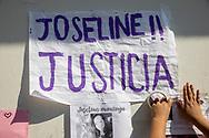 Mujeres realizan una protesta en el Ministerio Público del municipio de Coacalco de Berriozábal, Estado de México, México.