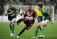 Fotball<br /> Frankrike<br /> Foto: DPPI/Digitalsport<br /> NORWAY ONLY<br /> <br /> FOOTBALL - FRENCH CHAMPIONSHIP 2009/2010 - L1 - AS SAINT ETIENNE v OGC NICE - 8/08/2009 <br /> <br /> MAHAMANE TRAORE (NICE) / CEDRIC VARRAULT / EFSTATHIOS TAVLARIDIS (ASSE)