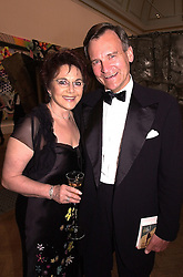 DR MIRIAM STOPPARD and her husband SIR CHRISTOPHER<br />  HOGG, at a dinner in London on 19th June 2000.OFL 26<br /> © Desmond O'Neill Features:- 020 8971 9600<br />    10 Victoria Mews, London.  SW18 3PY <br /> www.donfeatures.com   photos@donfeatures.com<br /> MINIMUM REPRODUCTION FEE AS AGREED.<br /> PHOTOGRAPH BY DOMINIC O'NEILL