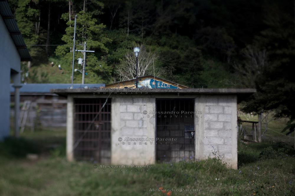 Zapatist jail.<br /> Prison zapatista.