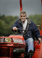 BLOEMENDAAL - Henk van de Veek.   COPYRIGHT KOEN SUYK BLOEMENDAAL - Groundsman Henk van der Feek