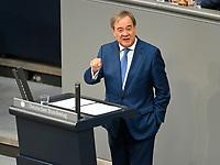 DEU, Deutschland, Germany, Berlin, 23.06.2021: Armin Laschet, Ministerpräsident von Nordrhein-Westfalen, CDU-Bundesvorsitzender und Kanzlerkandidat, bei einer Rede in der Plenarsitzung im Deutschen Bundestag.