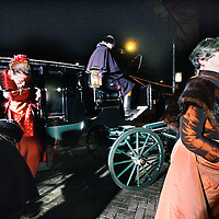 Nederland, Amsterdam, 14 januari 2012..AMSTERDAM - Gasten arriveren met paard en wagen bij het Concertgebouw, voor de uitreiking van de Concertgebouw Prijs tijdens de officiële start van het jubileumjaar. Dit jaar bestaat het Concertgebouw 125 jaar..Foto:Jean-Pierre Jans