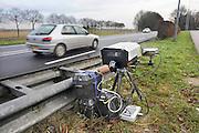 Nederland, Ubbergen, 2-12-2008Politie houdt snelheidscontrole met camera.Foto: Flip Franssen/Hollandse Hoogte