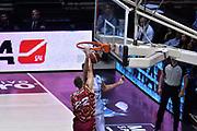 DESCRIZIONE : Bologna Lega A 2015-16 Obiettivo Lavoro Virtus Bologna - Umana Reyer Venezia<br /> GIOCATORE : Jeff Viggiano<br /> CATEGORIA : Schiacciata<br /> SQUADRA : Obiettivo Lavoro Virtus Bologna<br /> EVENTO : Campionato Lega A 2015-2016<br /> GARA : Obiettivo Lavoro Virtus Bologna - Umana Reyer Venezia<br /> DATA : 04/10/2015<br /> SPORT : Pallacanestro<br /> AUTORE : Agenzia Ciamillo-Castoria/GiulioCiamillo<br /> <br /> Galleria : Lega Basket A 2015-2016 <br /> Fotonotizia: Bologna Lega A 2015-16 Obiettivo Lavoro Virtus Bologna - Umana Reyer Venezia