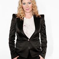 Nederland, Hilversum , 30 september 2009..Fiona Kiara Hering (Rotterdam, 9 september 1965) is een Nederlandse verslaggeefster, auteur en presentatrice van televisieprogramma's..Hering is sinds 2001 te zien als vaste lifestyle-deskundige bij het televisieprogramma RTL Boulevard. In 2005 presenteerde zij de Nederlandse versie van Herken de homo, die werd uitgezonden op RTL 5. Fiona was 1 van de 10 dames in de eerste editie van Ranking the Stars,.In 2009 is Fiona te zien als panellid in Wie is mijn ex en vast gezicht in het Net 5 programma De tafel van 5,.Fiona Hering, tv host and lifestyle journalist.