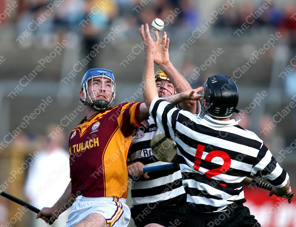 Andrew Quinn ,Tyrone Kearse and Alan O'Loughlin tussell for possession  during the Tulla V Clarecastle SHC Hurling Semi Final at Cusack park ,Ennis on Sunday.<br /><br />Photograph by Eamon Ward