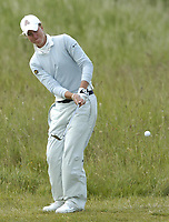 Golf, 11. juni 2005, Sweden's Louise Stahle chips to the 10th green in her semi final against Maria Hernandez of Spain