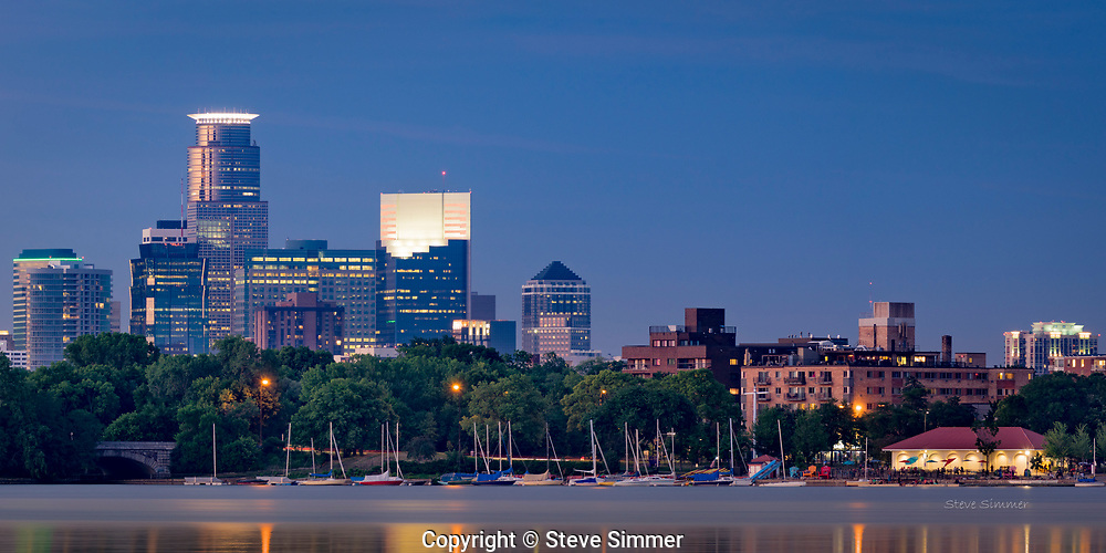 A three shot panorama shows the city in its best lights with minimal distractions