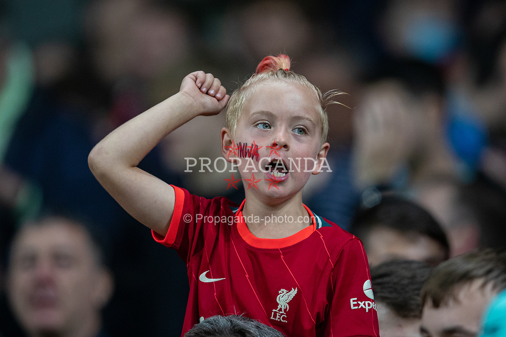 NORWICH, ENGLAND - Tuesday, September 21, 2021: A young Liverpool supporter before the Football League Cup 3rd Round match between Norwich City FC and Liverpool FC at Carrow Road. Liverpool won 3-0. (Pic by David Rawcliffe/Propaganda)