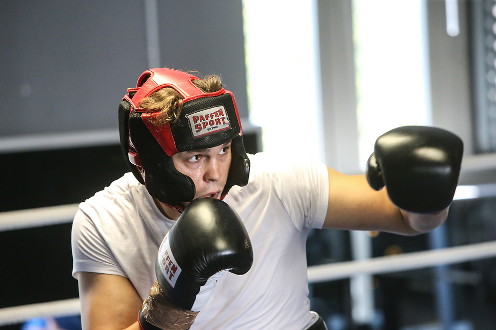 Boxen: EC Boxing, Training, Hamburg, 06.08.2020<br /> Ilja Mecenzev<br /> © Torsten Helmke
