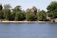 people out in the sun  Earlswood Lakes in Solihull Birmingham photo by Chris Wynne