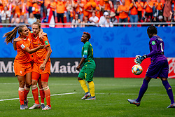 15-06-2019 FRA: Netherlands - Cameroon, Valenciennes<br /> FIFA Women's World Cup France group E match between Netherlands and Cameroon at Stade du Hainaut / Vivianne Miedema #9 of the Netherlands scores 1-0, Lieke Martens #11 of the Netherlands, Christine Manie #2 of Cameroon, Annette Ngo Ndom #1 of Cameroon