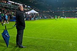 14.09.2010, Weserstadion, Bremen, GER, UEFA CL Gruppe A, Werder Bremen (GER) vs Tottenham Hotspur (UK), im Bild  Thomas Schaaf ( Werder  - Trainer  COACH) Feature - Uebersicht - Stadion  EXPA Pictures © 2010, PhotoCredit: EXPA/ nph/  Kokenge+++++ ATTENTION - OUT OF GER +++++ / SPORTIDA PHOTO AGENCY