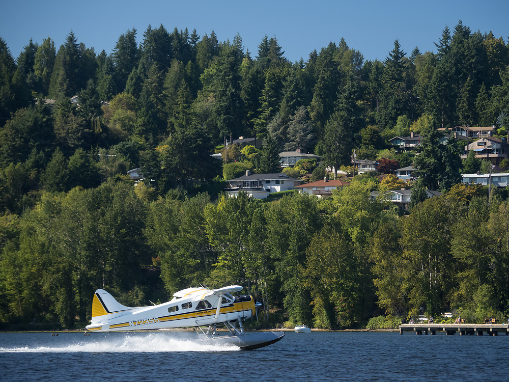 United States, Washington, Bellevue, seaplane landing on Lake Washington