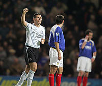 Photo: Lee Earle.<br /> Portsmouth v Chelsea. The Barclays Premiership.<br /> 26/11/2005. Frank Lampard salutes the away fans after scoring Chelsea's second.