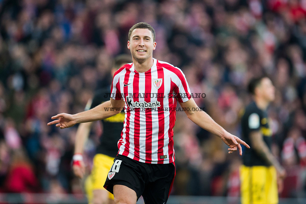 BILBAO, SPAIN - JANUARY 22:  Oscar De Marcos of Athletic Club celebrates after scoring his team's second goal during the La Liga match between Athletic Club Bilbao and Atletico Madrid at San Mames Stadium on January 22, 2017 in Bilbao, Spain.  (Photo by Juan Manuel Serrano Arce/Getty Images)