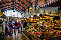 France, Pyrénées-Atlantiques (64), Pays Basque, Saint-Jean-de-Luz, le marché // France, Pyrénées-Atlantiques (64), Basque Country, Saint-Jean-de-Luz, the market