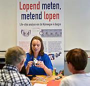 Nederland, Nijmegen, 14-7-2014Inspanningsfysioloog prof. dr. Maria Hopman van het UMC St Radboud start een nieuw Vierdaagse onderzoek, in samenwerking met het Diabetes Fonds. Hopman volgt 30 mensen met diabetes: ze onderzoekt wat het effect van vier maanden voorbereidende wandeltraining is op lichamelijke fitheid, insulinegevoeligheid en het risico op hart- en vaatziekten bij mensen met diabetes type 1 en 2. Ook onderzoeken Hopman en haar team tijdens de Vierdaagse welk effect wandelen heeft op de vocht- en zouthuishouding van diabetespatiënten. Hartfalen,hart,hartfunctie,hartpatienten. Vooraf wordt een echo van het hartgemaakt, urine en bloed onderzocht,bloeddruk, gewicht, huidplooidikte en lengte gemetenThe International Four Day Marches Nijmegen (or Vierdaagse) is the largest marching event in the world. It is organized every year in Nijmegen mid-July as a means of promoting sport and exercise. Participants walk 30, 40 or 50 kilometers daily, and on completion, receive a royally approved medal, Vierdaagsekruisje. The participants are mostly civilians, but there are also a few thousand military participants. The maximum number of 45,000 registrations has been reached. More than a hundred countries have been represented in the Marches over the years.~Also a scientific research is held amongst participants with diabetis, in order to measure the effects of four days walking on their health.~Foto: Flip Franssen/Hollandse Hoogte