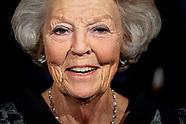 Prinses Beatrix der Nederlanden woont donderdagavond 19 september de galapremière bij van Alvin Aile