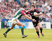 Leicester, Walker Stadium., Leicestershire, 5th April 2004, Heineken Cup, ENGLAND. [Mandatory Credit: Photo  Peter Spurrier/Intersport Images],Heineken Cup, Semi Final, Leicester Tigers vs Stade Toulouse, Walker Stadium, Leicester, ENGLAND: Martin Johnson [right] moves across to tackle.