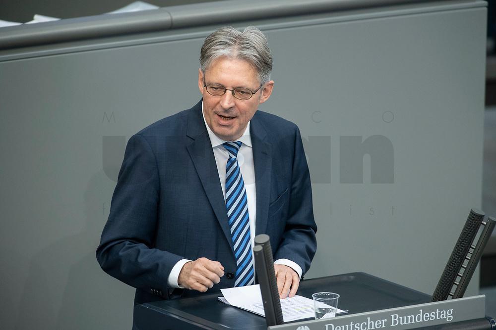 """25 MAR 2020, BERLIN/GERMANY:<br />  Achim Post, MdB, SPD, stellv. Vorsitzender SPD-Bundestagsfraktion, haelt eine Rede, Bundestagsdebatte zu """"COVID 19 - Kreditobergrenzen, Nachtragshaushalt, Wirtschaftsfonds"""", Plenum, Reichstagsgebaeude, Deutscher Bundestag<br /> IMAGE: 20200325-01-030<br /> KEYWORDS: Pandemie, Corona, Sitzung, Debatte"""