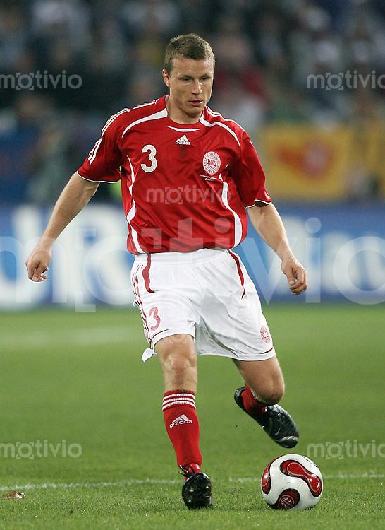 Fussball  International  2006/20007 Michael GRAVGAARD (Daenemark), Einzelaktion am Ball