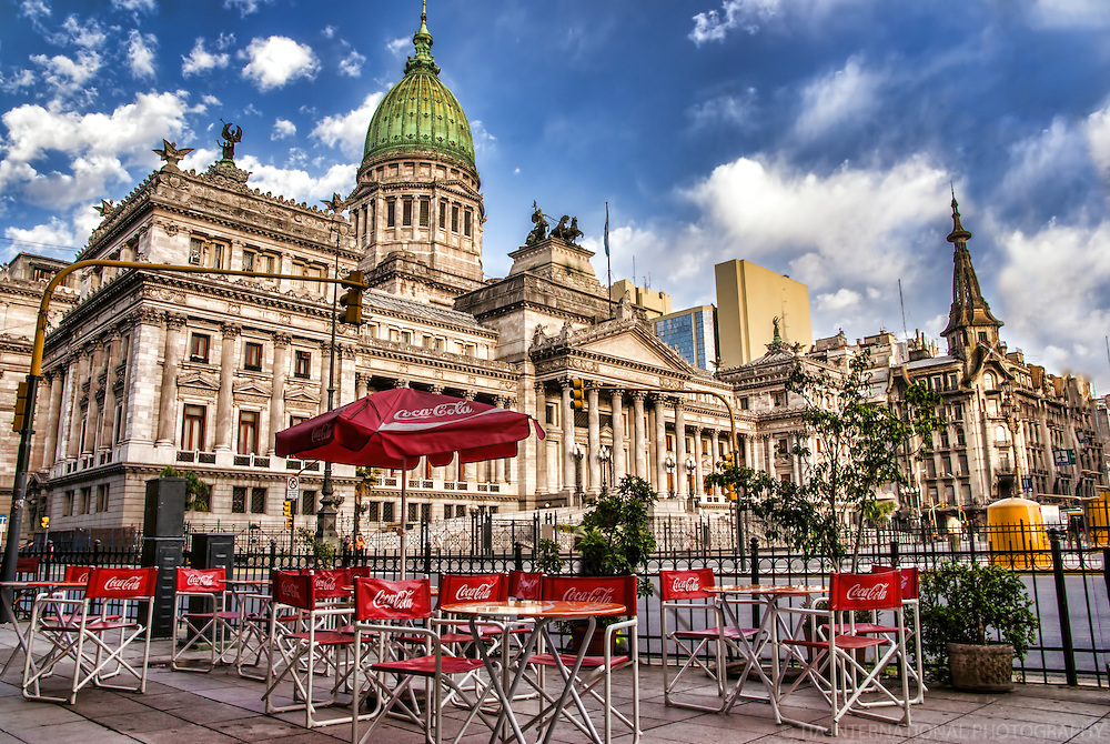 Outdoor Cafe & Palacio del Congreso