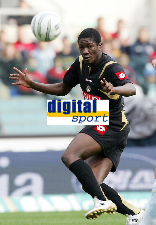 Fotball<br /> Italia Serie A<br /> 12.11.2006<br /> Lazio v Udinese 5-0<br /> Foto: Inside/Digitalsport<br /> NORWAY ONLY<br /> <br /> Cristian Eduardo Valencia Zapata (Udinese)
