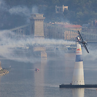 0708193828a Red Bull Air Race international air show qualifying runs over the river Danube, Budapest preceding the anniversary of Hungarian state foundation. Hungary. Sunday, 19. August 2007. ATTILA VOLGYI