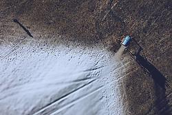 THEMENBILD - eine Schneekanone in einer grünen und mit schneebedeckten Wiese , aufgenommen am 30. November 2018 in Kaprun, Österreich // a snowblower in a green and snowy meadow, Kaprun, Austria on 2018/11/30. EXPA Pictures © 2018, PhotoCredit: EXPA/ JFK