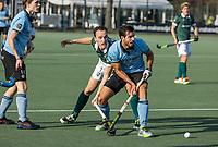 WASSENAAR - Augustin Bugallo (HGC) met Marnix Kleinsman (Rotterdam)  tijdens de hoofdklasse competitiewedstrijd heren, HGC-HC ROTTERDAM (0-7) .     COPYRIGHT  KOEN SUYK