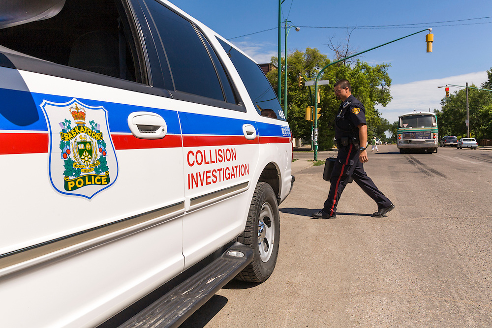 Transport Canada collision investigators work with Saskatoon police and transit to provide analysis of collision between transit bus and sport utility vehicle. The collision occurred earlier in the year, resulting in injuries to SUV occupants and bus passengers and damage to an apartment building. The reconstruction took place under similar lighting and weather conditions as the original collision.