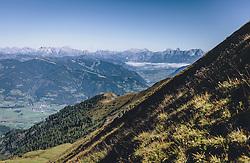 THEMENBILD - der Blick auf die Schmittenhöhe. Wanderung auf das Imbachhorn in den Hohen Tauern, das zwischen dem Fuscher Tal und dem Kapruner Tal liegt, aufgenommen am 09. September 2020 in Kaprun, Oesterreich // the view to the Schmittenhöhe. Hike to the Imbachhorn in the Hohe Tauern, which lies between the Fuscher Valley and the Kaprun Valley, in Kaprun, Austria on 2020/09/09. EXPA Pictures © 2020, PhotoCredit: EXPA/Stefanie Oberhauser
