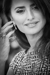 May 18, 2019 - Cannes, France - 72eme Festival International du Film de Cannes. Photocall du film ''Douleur et Gloire''. 72th International Cannes Film Festival. Photocall of ''Dolor y gloria'' movie....239404 2019-05-18  Cannes France. (Credit Image: © Serge Arnal/Starface via ZUMA Press)