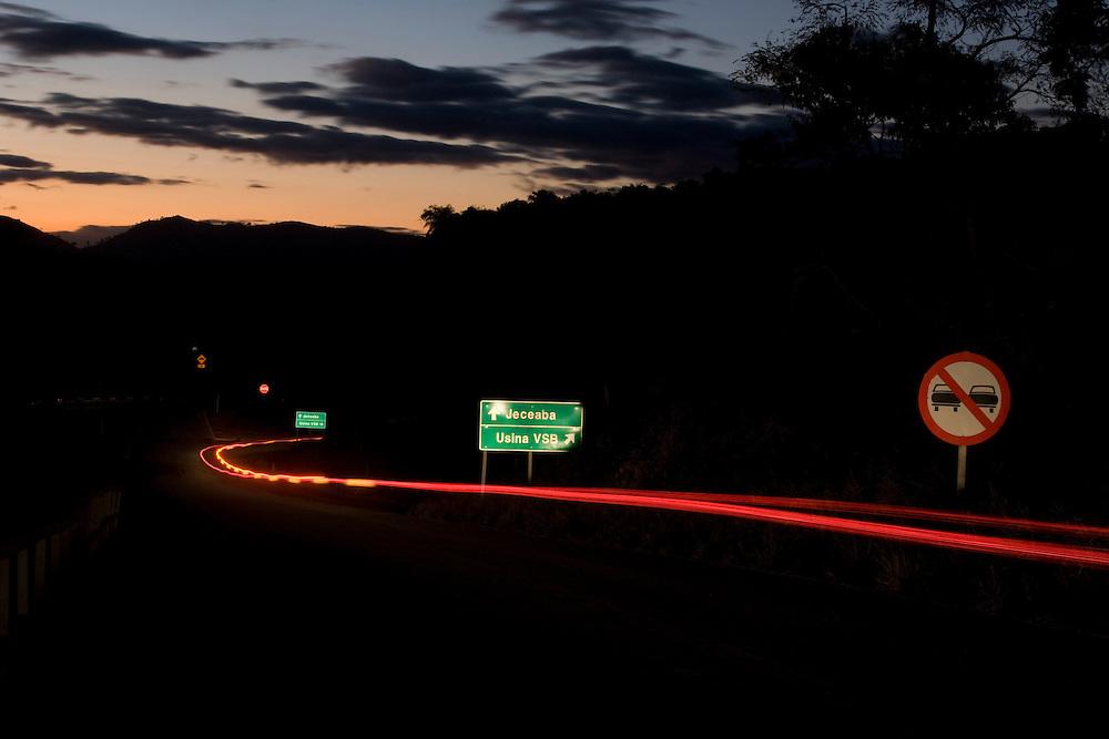 Jeceaba_MG, Brasil...Rodovia em Jeceaba, Minas Gerais...Motorway in Jeceaba, Minas Gerais...Foto: BRUNO MAGALHAES / NITRO