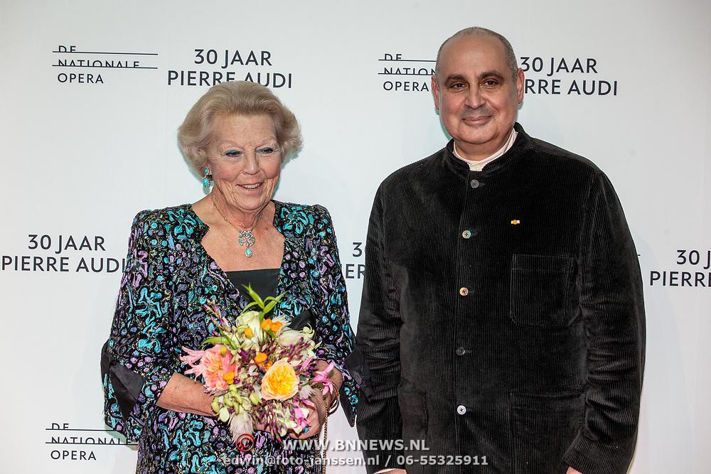 NLD/Amsterdamt/20180930 - Prinses Beatrix bij voorstelling 30 jaar Pierre Audi en De Nationale Opera, Prinses Beatrix en Pierre Audi