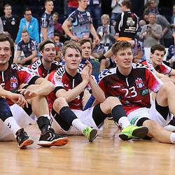Hamburg, 26.12.16, Sport, Handball, Weltrekordspiel, 3. Liga Nord, Saison 2016/2017, Handball Sport Verein Hamburg - DHK Flensborg : Jubel nach Sieg <br /> <br /> Foto © PIX-Sportfotos *** Foto ist honorarpflichtig! *** Auf Anfrage in hoeherer Qualitaet/Aufloesung. Belegexemplar erbeten. Veroeffentlichung ausschliesslich fuer journalistisch-publizistische Zwecke. For editorial use only.