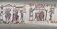 Bayeux Tapestry scene 31-32-33 : Astrologers see a comet in the sky and predict an evil omen for Harold. .<br /> <br /> If you prefer you can also buy from our ALAMY PHOTO LIBRARY  Collection visit : https://www.alamy.com/portfolio/paul-williams-funkystock/bayeux-tapestry-medieval-art.html  if you know the scene number you want enter BXY followed bt the scene no into the SEARCH WITHIN GALLERY box  i.e BYX 22 for scene 22)<br /> <br />  Visit our MEDIEVAL ART PHOTO COLLECTIONS for more   photos  to download or buy as prints https://funkystock.photoshelter.com/gallery-collection/Medieval-Middle-Ages-Art-Artefacts-Antiquities-Pictures-Images-of/C0000YpKXiAHnG2k