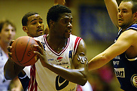 Basketball<br /> BLNO 2004/2005<br /> Kongsberg Penguins v Ulriken Eagles<br /> 10.11.2004<br /> Foto: Morten Olsen, Digitalsport<br /> <br /> Antonio Burks - Ulriken<br /> <br /> På venstre overarm har han svidd inn omega-merket, som viser at han er medlem i et hemmelig Fraternitas-brorskap