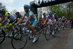 17-04-2011 WIELRENNEN: AMSTEL GOLD RACE: VALKENBURG<br /> Kopgroep beklimt de Bemelerberg, Alexandre Vinokourov KAZ<br /> ©2011-WWW.FOTOHOOGENDOORN.NL / Peter Schalk