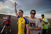 Een opgewonden Jan-Marcel van Dijken wordt na zijn race geholpen door ploeggenoot David Verbroekken op de vijfde racedag van de WHPSC. In de buurt van Battle Mountain, Nevada, strijden van 10 tot en met 15 september 2012 verschillende teams om het wereldrecord fietsen tijdens de World Human Powered Speed Challenge. Het huidige record is 133 km/h.<br /> <br /> An exited Jan-Marcel van Dijken is carried away after his race by team member David Verbroekken on the fifth day of the WHPSC. Near Battle Mountain, Nevada, several teams are trying to set a new world record cycling at the World Human Powered Vehicle Speed Challenge from Sept. 10th till Sept. 15th. The current record is 133 km/h.