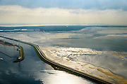 Nederland, Zeeland, Oosterschelde, 01-04-2016; Oesterdam gezien met in de voorgrond Schelde-Rijnverbinding, gezien naar Zuid-Beveland. Verdronken Land van Zuid-Beveland direct naast de dam.<br /> <br /> luchtfoto (toeslag op standard tarieven);<br /> aerial photo (additional fee required);<br /> copyright foto/photo Siebe Swart