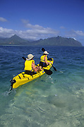 Kayaking, Kaneohe Bay, Kaneohe, Oahu, Hawaii, USA<br />
