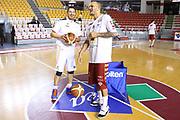 DESCRIZIONE : Roma Campionato Lega A 2013-14 Acea Virtus Roma Umana Reyer Venezia<br /> GIOCATORE : Alex Righetti Andre Smith CATEGORIA : fair play pre game<br /> SQUADRA : <br /> EVENTO : Campionato Lega A 2013-2014<br /> GARA : Acea Virtus Roma Umana Reyer Venezia<br /> DATA : 05/01/2014<br /> SPORT : Pallacanestro<br /> AUTORE : Agenzia Ciamillo-Castoria/M.Simoni<br /> Galleria : Lega Basket A 2013-2014<br /> Fotonotizia : Roma Campionato Lega A 2013-14 Acea Virtus Roma Umana Reyer Venezia<br /> Predefinita :