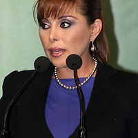 Toluca, México.- Maricela Morales Ibáñez, Procuradora General de la República  durante la firma de convenio de coordinación y colaboración  con el GEM para la creación y funcionamiento de los centros de operación estratégica llamados COES.  Agencia MVT / José Hernández