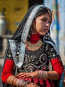 Young girl in colorful sari in Bundi (India)