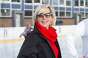 Kick-off De Hollandse 100 2020 op de Jaap Edenbaan voor de zesde editie van De Hollandse 100, die dit jaar op 15 maart in Thialf wordt gehouden. Het evenement heeft als doel de financiering van wetenschappelijk onderzoek naar de aard en behandeling van lymfklierkanker te steunen. <br /> <br /> Op de foto:   Monique des Bouvrie