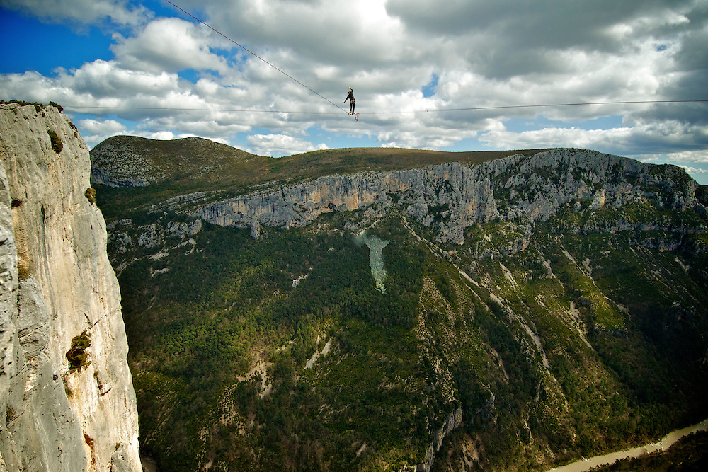 Christian Krr on the FM ascent of the shortest leg of the first SPACE line, 300m high, and 65, 45,30m legs, rigged in the Sordidon sector of Verdon Gorges, France...©2012 Pedro Pimentel