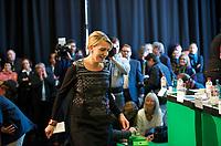 DEU, Deutschland, Germany, Berlin, 28.09.2013:<br />Länderrat (Kleiner Parteitag) von BÜNDNIS 90/DIE GRÜNEN in den Uferstudios. Simone Peter, designierte neue Parteichefin von BÜNDNIS 90/DIE GRÜNEN, auf dem Weg zum Redepult.